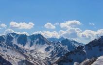 新疆行雪山(独库公路).