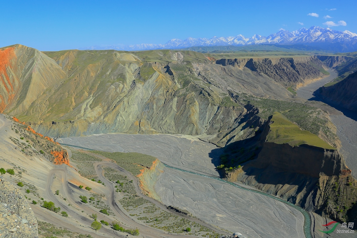 独山子大峡谷位于新疆克拉玛依市独山子区
