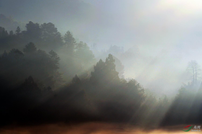 2019007.大年三十晨雾下的小村庄(温泉疗养院河对岸)