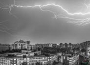 都市雨夜------(祝贺荣获黑白影像华盈彩票精华!)