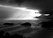 山雨欲来风满楼------祝贺荣获黑白影像华盈彩票精华!