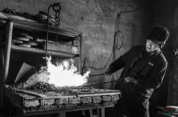 铁匠铺------祝贺荣获首页黑白影像精华!