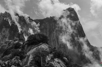 大美华山 ------祝贺荣获首页黑白影像精华!