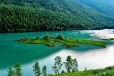绿水青山就是金山银山——喀纳斯河卧龙湾(