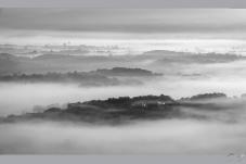 雾锁大别山