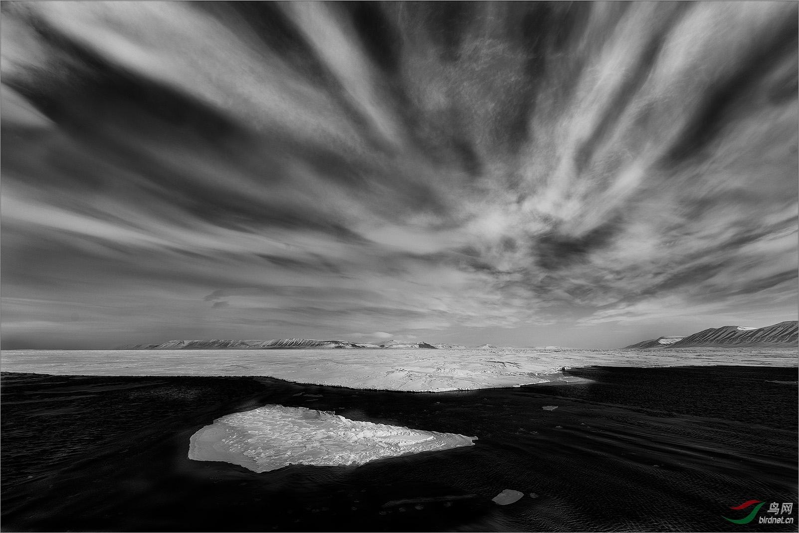 0165.乌云密布Svalbard landscape7.jpg