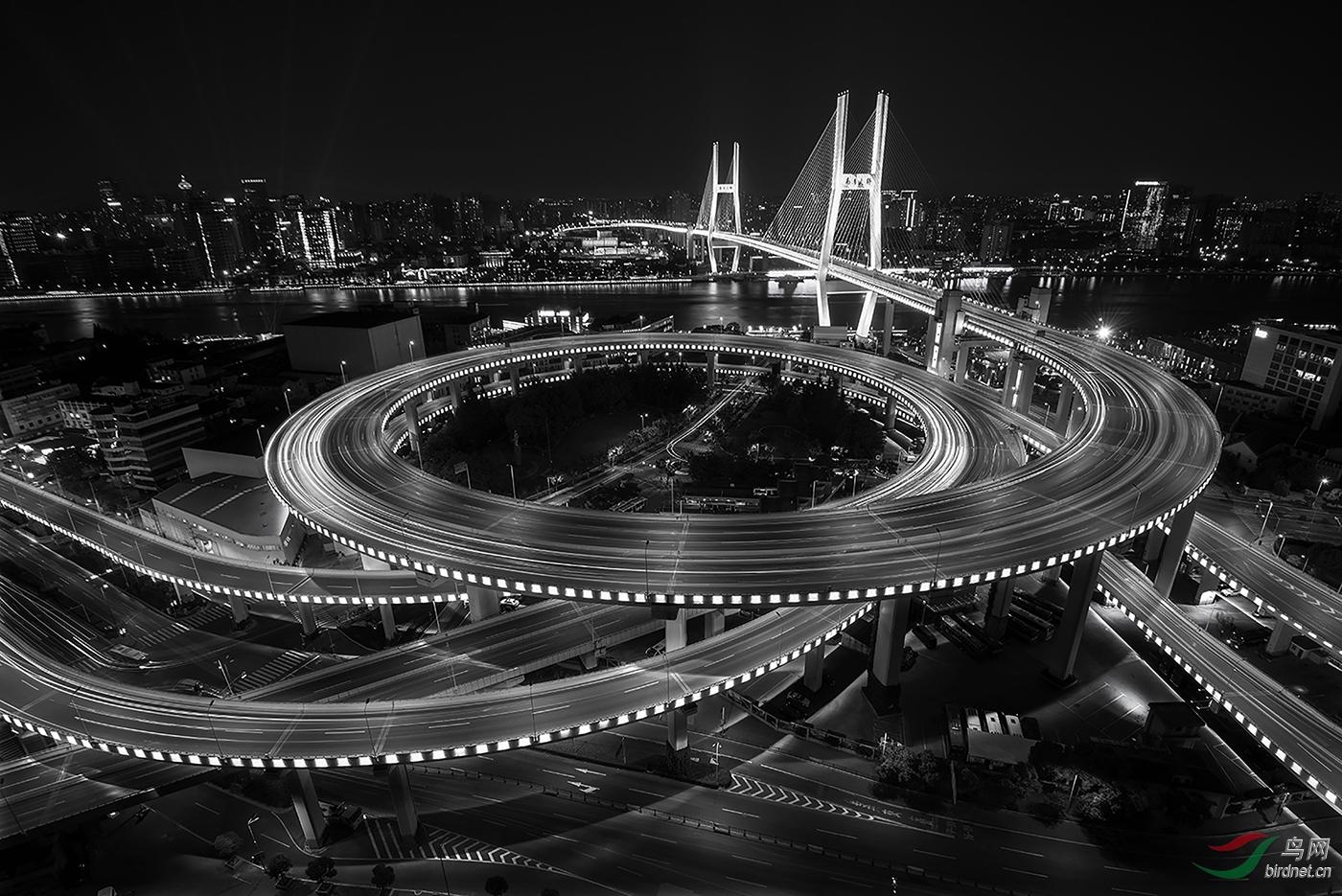 DO5890 郭顺利 B4 城市夜色The night in the city.jpg