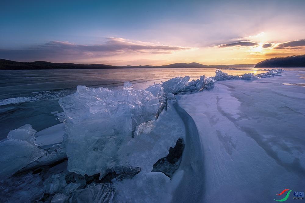 夕阳下的冰川.jpg