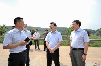 摄影人的责任和担当--中国鸟网野生动物保护者助力野生动物保护成效显著