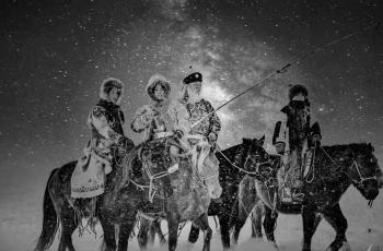 飞雪------祝贺荣获首页黑白影像精华!!!