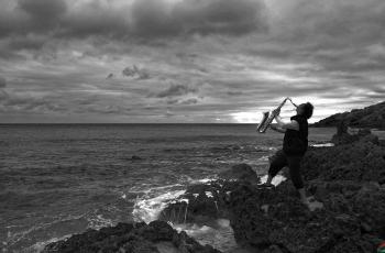 綠島小夜曲---- 祝賀榮獲黑白影像首頁精華!