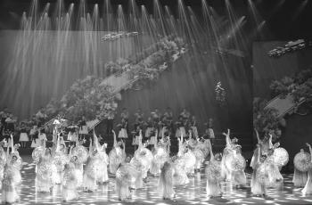 舞蹈:大美福州(剧照)------祝贺老师佳作荣获首页黑白影像精华!