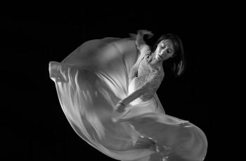 独舞  ----  祝贺荣获黑白影像首页精华!